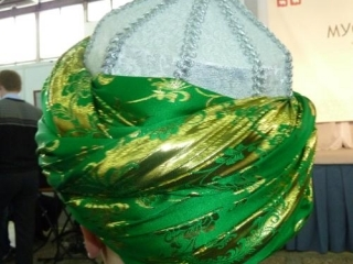 Традиционная чалма стала одним из атрибутов образа трансрелигии