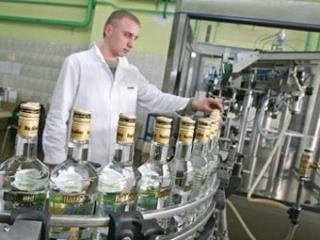 Правительство пошло навстречу производителям водки