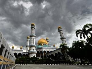 В Брунее 1 мая  вводится шариат