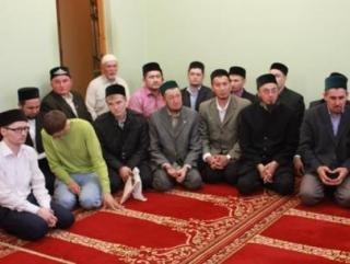 Молодые имамы, претендующие на гранты, отчитались перед комиссией о деятельности в своих махаллях