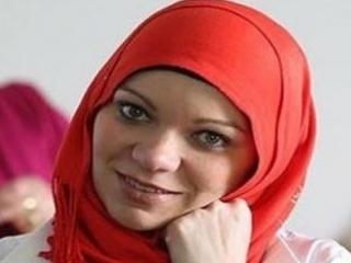 Кандидатами в Европарламент стали две женщины в хиджабах