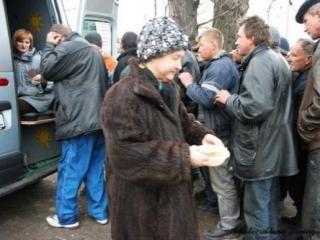 Столичные власти препятствуют православным кормить бездомных