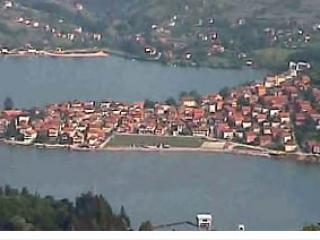 Вид г. Зворник, находящегося на самой границе с Сербией