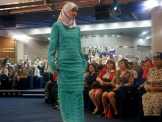 На «Islamic Clothes» презентовали антиэкстремистскую коллекцию