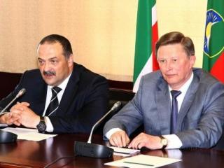 Лидерам Северного Кавказа представили нового полпреда в погонах
