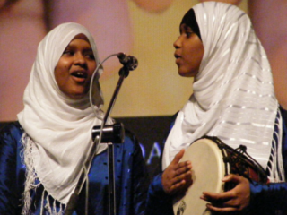Дом певиц в хиджабе подвергся нападению