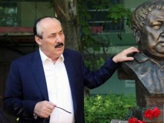 Абдулатипов предложил создать Дагестанский дом в Петербурге