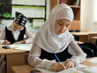 Челябинские власти вступились за школьный платок