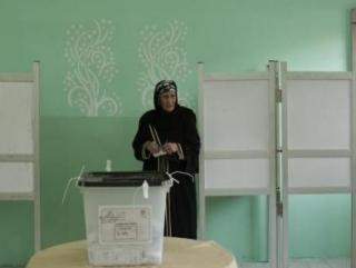 Из-за низкой явки на президентских выборах власти Египта объявили вторник выходным днем
