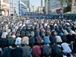 Мусульманам Москвы не хватает мечетей