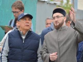 Глава Татарстана осмотрел с муфтием вакуфные объекты в Казани