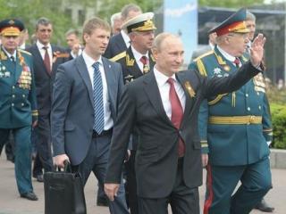 Большинство россиян хочет видеть Путина президентом на новый срок