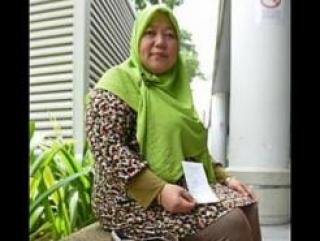 Мусульманка требует компенсацию за туфли из свиной кожи