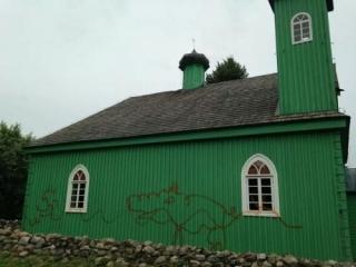 Первого рамадана неизвестные освернили мечеть в Польше