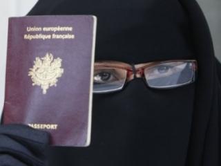 Мусульманкам Франции не нужно «освобождение» от никаба
