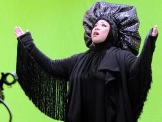 Поп-певица спустя годы надела хиджаб