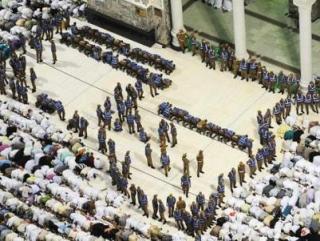 Усилено обеспечение безопасности в Заповедной мечети