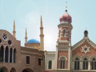 В небольших городах США по соседству могут располагаться церковь, мечеть и синагога