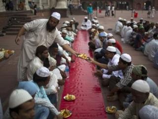 Индуисты из года в год держат уразу вместе с мусульманами