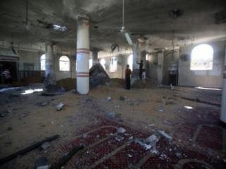 В полуразрушенной мечети Газы