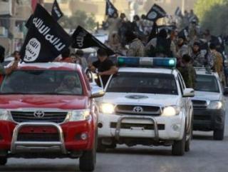 Ополченцы из фронта Ан-Нусра сдают оружие представителям ИГИЛ