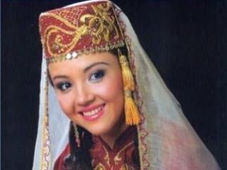 Крымская татарка в национальном костюме