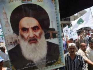 Шииты Багдада несут изображения ас-Систани