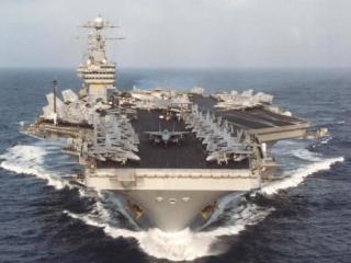 Американский авианосец в Персидском заливе
