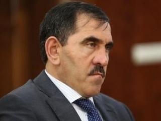 Евкурова обвинили в использовании проблемы переселенцев из Чечни