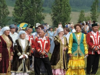 Местное население смогло поближе познакомиться с самобытной культурой татар и башкир