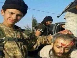 Дети «джихадистов» поиграли в футбол головой шариатского судьи