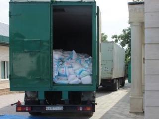 Грузовик доставил на Ставрополье из Чечни внушительный объем продовольствия (Фото: Dumsk.com)