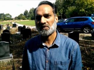 Волонтер мечети Абдул Чаудхари Вахад