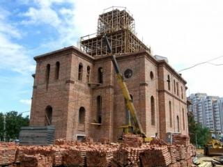 Программу строительства в Москве 200 храмов расширят почти вдвое