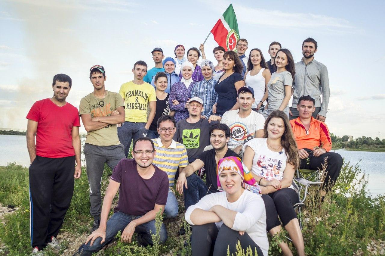 Кемпинг  по-татарски. Московская молодежь встретилась на речке