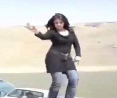 Видеролик со снятием хиджаба наделал шума в сети