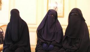 """Второй мед: """"хиджабам – нет, платкам – да!"""""""
