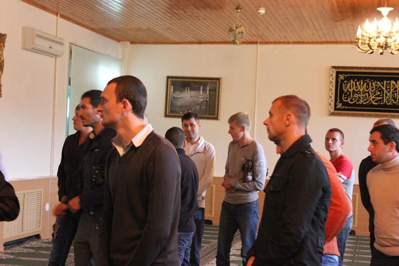 В Пятигорской мечети прошел круглый стол с участием бывших наркоманов и студентов-инвалидов