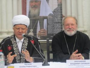 Православным и мусульманам понравился татарин во главе России