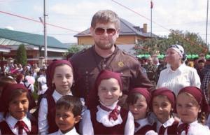 Рамзан Кадыров: Учитель на всю жизнь остается наставником