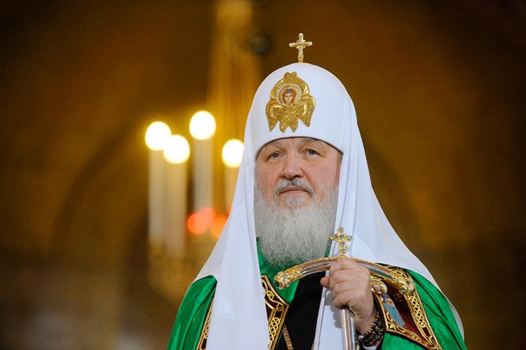 Почему патриарх Кирилл не встанет на защиту платка?