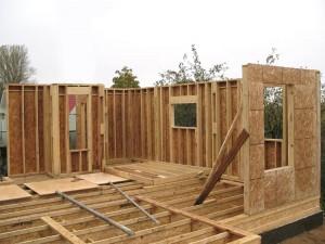 Каркасные дома и дома из бруса: их преимущества и недостатки