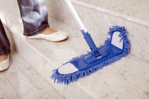 Чистый дом с… жидкостью для снятия лака!