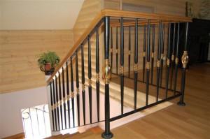 Как выбрать перила для лестниц на заказ?