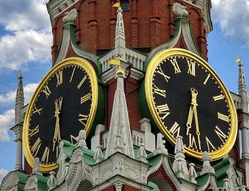 Москва сверит часы по Мекке
