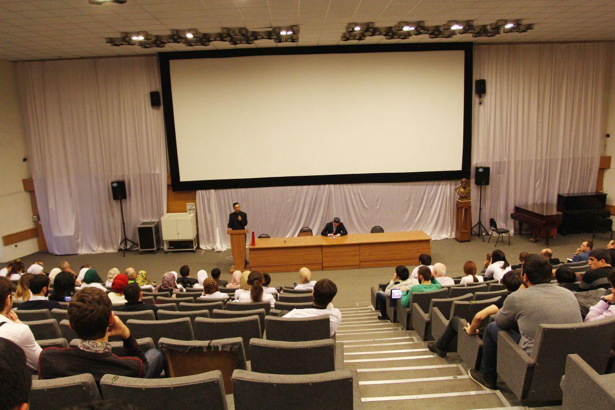 Студенты ввергли в ступор ректора исламского вуза
