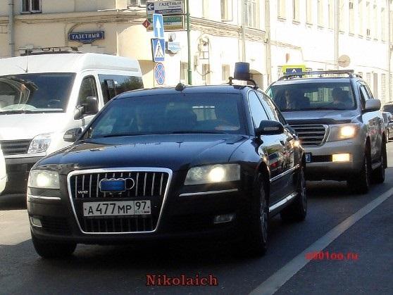 Автомобили кортежа депутата Владимира Ресина