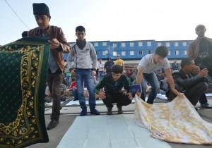 Обязательную пятничную молитву приравняли к митингу