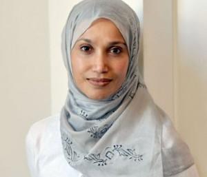 Политик в хиджабе призвала министров следить за словами