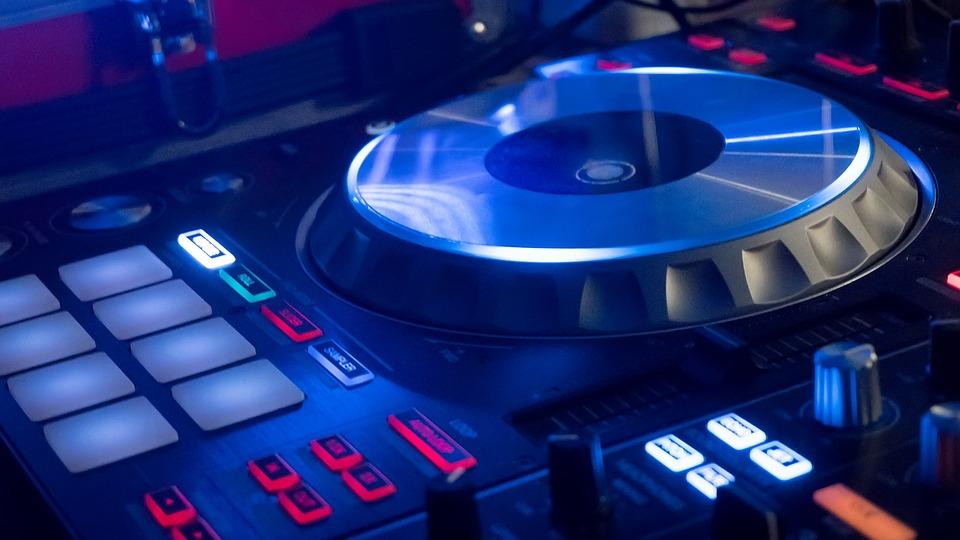 Выгоды и удобство от услуги аренды звукового оборудования